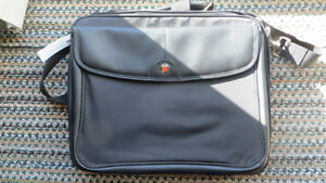 Targus Leather Laptop Travel or Carrying Case