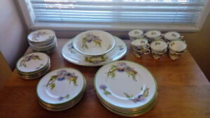 Royal Doulton 8 place setting dinner ware