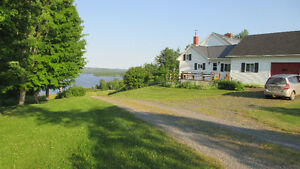 Beautiful lake house, fabulous views, on Washademoak Lake