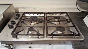 Gas cooktop North Shore Greater Vancouver Area image 1