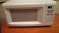 Works greats, clean GE Microwave
