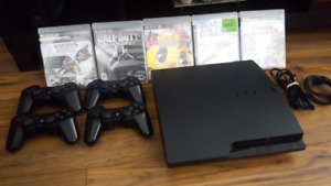 PS3 - 250 GB + 4 controllers and 5 game