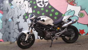 ducati monster 696 few quality add ons (termignoni, speedymoto )