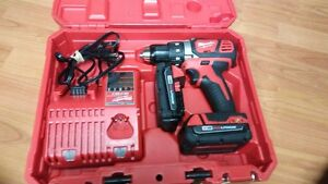 Perceuse/drill milwaukee 18v lithium-ion