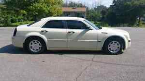 2005 Chrysler 300 (Lots of New Parts) Peterborough Peterborough Area image 2