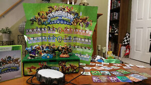 Skylanders game, portal, 13 characters and case xbox 360 game