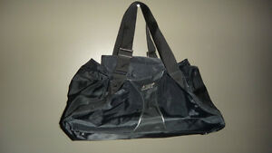 Reebok Unisex bag (small) Cambridge Kitchener Area image 1