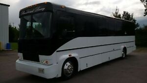 PARTY BUS / STRETCH LIMOUSINES - HUMMER ESCALADE NAVIGATOR LIMOS