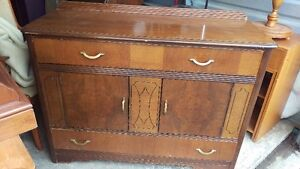 Old Fashioned AntiqueSolid Wood Sideboard Buffet Cabinet