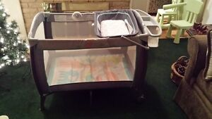 Carter's 2 Level Playpen with change table