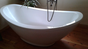 Fibreglass bathtub Ove Decors osoyoos