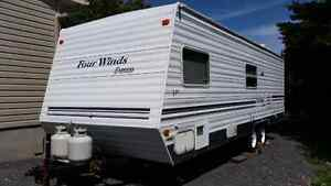 27' Fourwinds Express Lite trailer for sale