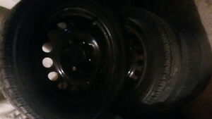 AllSEASON / SUMMER TIRES  ON RIMS 185/65/14 West Island Greater Montréal image 3