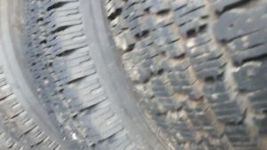 205 65 15 4 pneus && 155 80 13 4 pneus