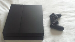 Mint Ps4 with one controller