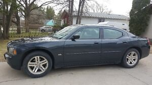 Open to Offers - 2007 Dodge Charger SXT RWD 3.5L Sedan $6800 OBO