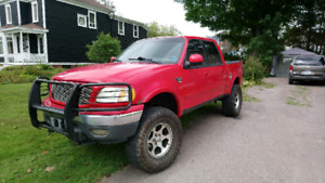2002 Ford F150 XLT Crew Cab 4X4 $999 (located in amherst)