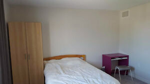 3 large, furnished bedrooms for students/working adults/couples