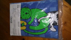 Twin bed duvet cover new in package $5 Huntsville