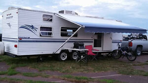 FOR SALE: 2001 Starcraft 27' travel trailer