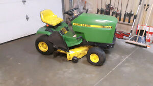 John Deere 170 tractor-runs like it's new!