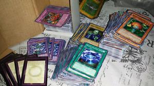 Lot de cartes YU-GI-OH