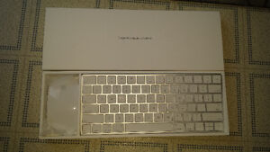 Apple Magic Keyboard & Mouse (wireless)
