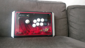 Madcatz arcade fightstick tournament edition 360/PC