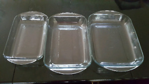 Set of 3 glass baking dishes