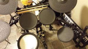 Yamaha dtx 502 electric drums