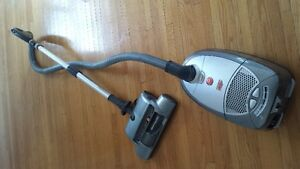Hoover Windtunnel Canister Vacuum