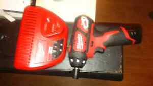 milwaukee m12 screwdriver charger and battery