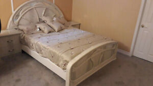 Nicely furnished bedroom available on monthly basis @$1000/Mnth.