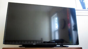 Insignia 40-inch 1080p LED HDTV + Phillips Blu Ray DVD player