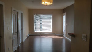 AVAILABLE IMMEDIATELY*** Spacious 2Bed/2Bath Condo in SE Airdrie