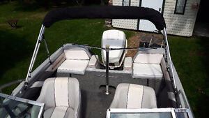 Opendeck 16 pieds Crestliner Nordic avec Johnson 120hp hors bord West Island Greater Montréal image 7