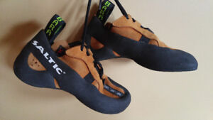 Women's Climbing Shoes - LIKE NEW - Saltic size 36/3.5