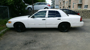 CROWN VICTORIA 2009 POLICE PACK(P71)
