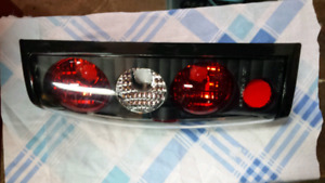 Nissan Frontier tail light assembly