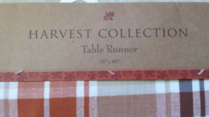 Table runners & tablecloths BNWT