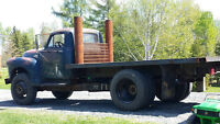 1954 GMC 9100 3 ton Grain/Stake truck rolling chassis
