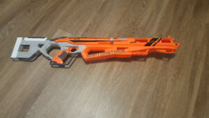My oldest plays Titanfall with me and wanted a Anti Titan gun. So I settle  on a nerf Khaos and tried Chroming with with Spaz Stix. Hard to photo this  one.