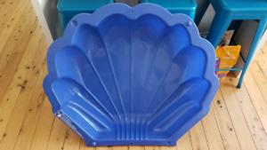 Shell pool / sandpit