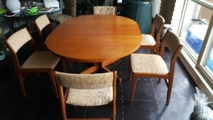Teak, Mid-Century, Finland, Round/Oval Dining table, chairs