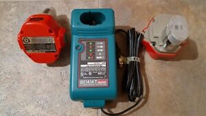 chargeur et 2 batteries makita