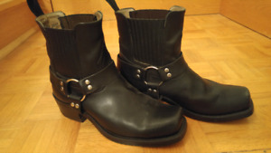 Boulet Men's Leather Motorcycle Boots $75