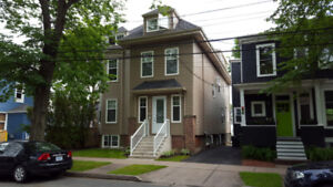 Awesome 4 Bdrm Penthouse Flat, Cherry Street, Avail Sept 1st.