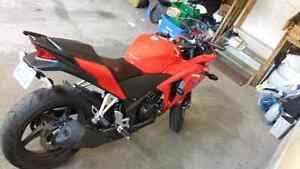 2013 CBR 250R! GREAT CONDITION