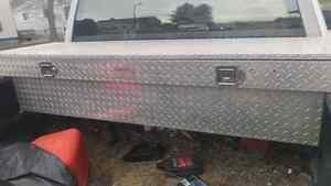 Almost new  challenger  Diamond plate  tool chest