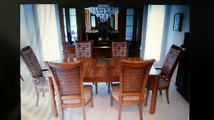 Quality Built by Thomasville Table with 6 Chairs & China Cabinet